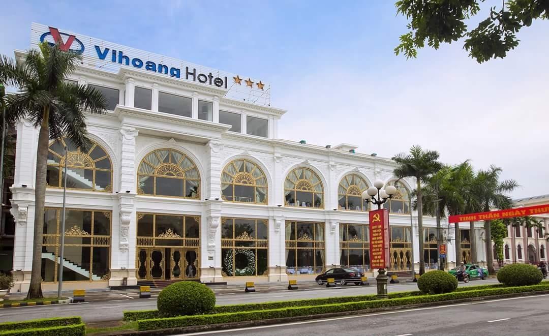 Khách sạn Vị Hoàng***